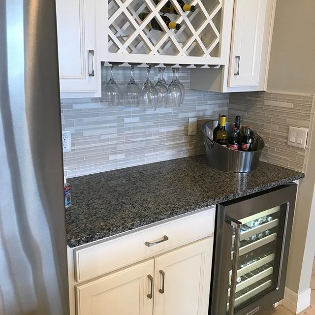 Add class, sophistication, style and of course wine 🍷 to your life with this addition to your kitchen. . @property_brothers #property_brothers . . For an AMAZING Real Estate Agent and First Class Concierge Service in Central Florida contact @realtormelendez . . #design #kitchendesign #bar #drybar #home #homesweethome #wine #winebar #elegant #sophisticated #housegoals #realestate #realtor #newhome #newconstruction #firstclass #luxury #luxurylifestyle #luxuryhomes #orlando #saintcloudfl…