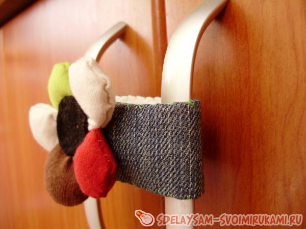 Защита от детей на распашной шкаф