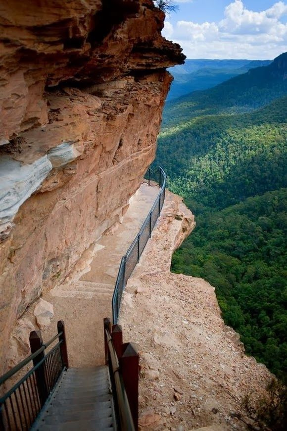 Cliff Path at Blue Mountains, Australia…would love to go.