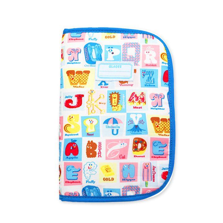 【楽天市場】【レビューを書いてメール便送料無料】マルチオーガナイザー ニューアルファベット WH(母子手帳ケース) GLADEE(グラディー)・母子手帳のカバー,通帳入れ(通帳ケース),パスポートケースに使えるかわいいマルチケース♪出産祝い,プレゼントにも人気でおすすめ:Moewe global(メーヴェ)