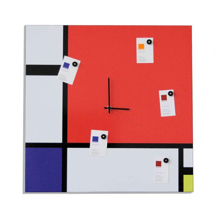 Articolo: IT900Un normale orologio su disegno di Mondrian. In dotazione n.05 magneti per lasciare i propri messaggi.