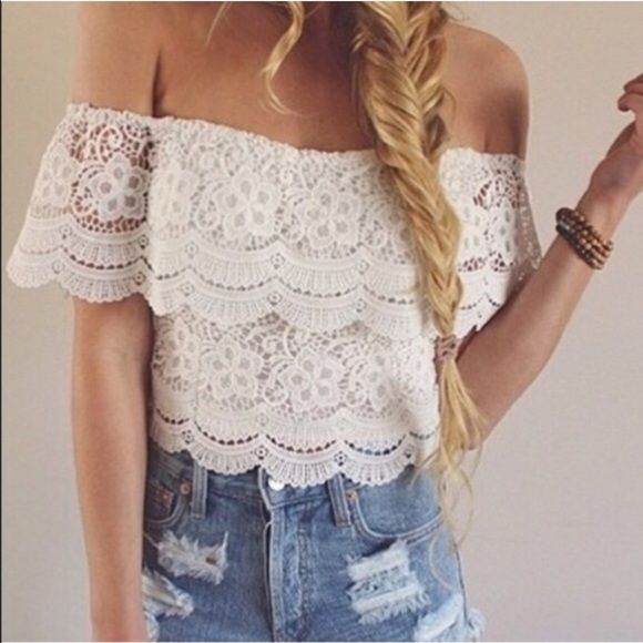 Cropped lace top off shoulder Super chic and pretty Tops Crop Tops