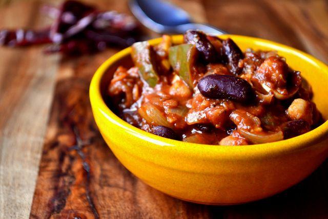 Golden Ale Vegetarian Chilli - frugal feeding