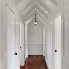 traditional hall by Structures Building Company