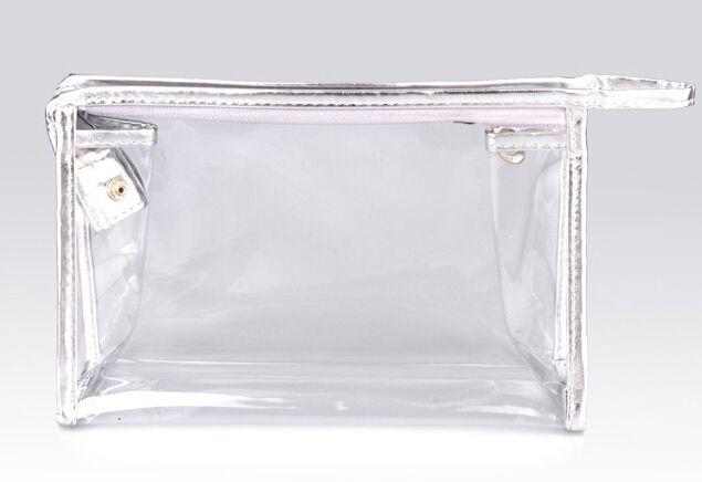 Saydam Gümüş Renk PVC Detaylı Makyaj Çantası