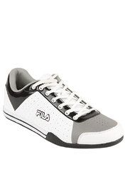 40% Off on Fila Zephyr White Sneakers@1439