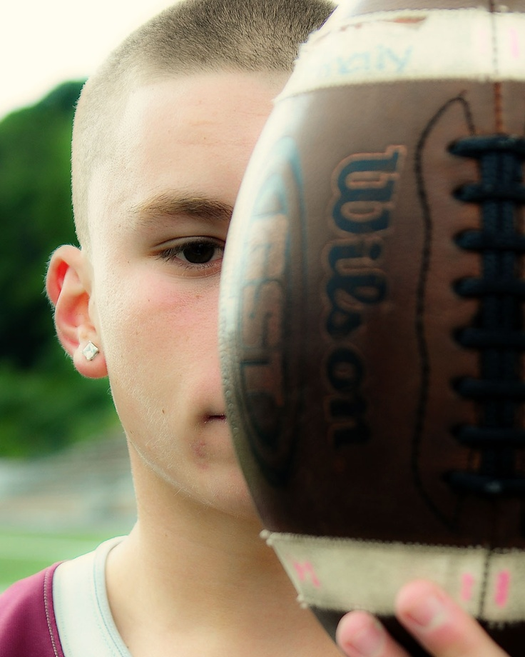 #senior #football: Scrapbook Ideas, Chase Pictures, Photography Shoots, Individual Inspiration, Football Session, Football Senior, Photography Stuff, Senior Football, Art Projects