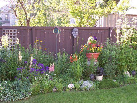 Interesting Garden Ideas Along Fence Line This Much But I Would Love To Have Something The L In Design