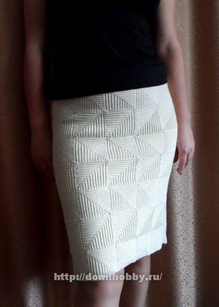 Beautiful crochet skirt! Pattern and photos here: http://domihobby.ru/807-pechvork-kryuchkom.html Юбка крючком в технике пэчворк ༺✿ƬⱤღ  http://www.pinterest.com/teretegui/✿༻