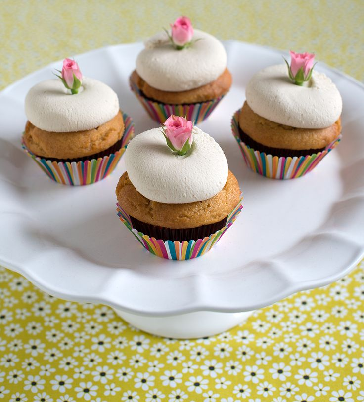 vanilla-cupcakes-with-rosebuds Bunner's bakeshop recipe
