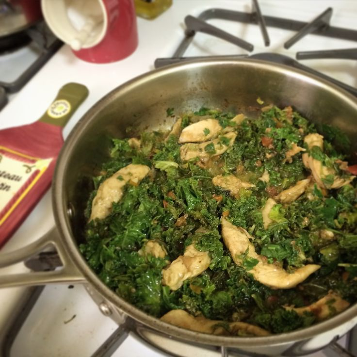 What happened during Day 4 of Whole30, including a 15-minute one-pot chicken and kale recipe.