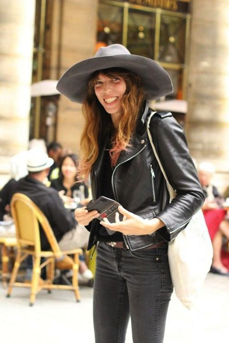This hat is fucking amazing #LouDoillon. Paris.