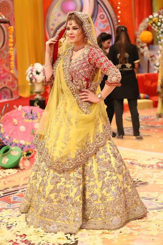 Pakistani Bridal Mehndi Dresses 2018 lehnga Choli in 2019