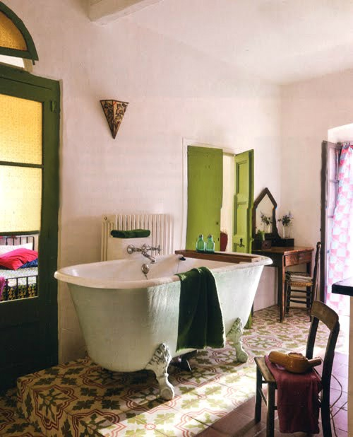.: Bathroom Etiquette, Bathroom Laundry, Bath Tubs, Vintage Bathroom, Bathroom Bohemian, Dreams Bathroom, Bathroom Ideas, Bored Bathroom, 1930S Bathroom