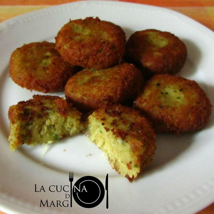I Falafel sono un piatto tipico del Medio Oriente. Sono delle polpettine fritte a base di ceci  La ricetta QUI  ⤵  http://blog.giallozafferano.it/lacucinadimargi/falafel-polpette-di-ceci-speziate/