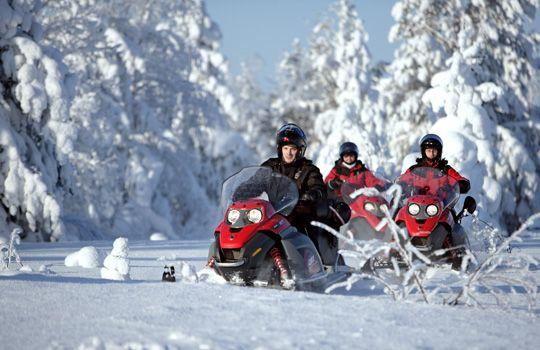 Safaris en motoneige avec Santa Claus Holiday Village