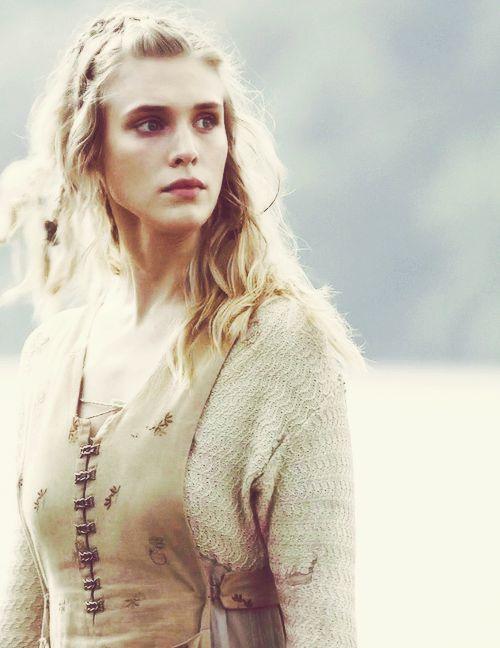 grahamhmbrt-deactivated20140803:  History's Vikings: Þorunn (2/?)