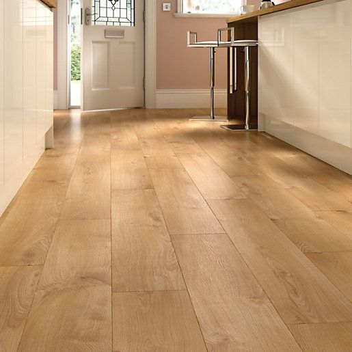 Wickes Venezia laminate flooring is an attractive contemporary design perfect for any home.