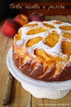 Torta soffice alla ricotta e pesche,torta sofficissima,torta senza burro,torta all'olio,torta estiva,torta alle pesche,dolce di pesche