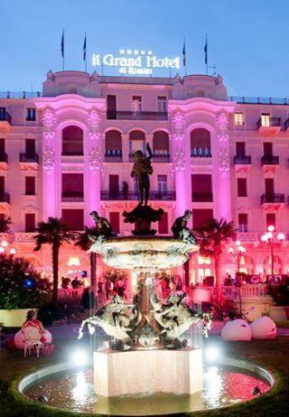 La Notte Rosa verso l'Expo 2015: una Festa con due milioni di persone e un giro d'affari da 200 milioni di euro - Il Gelato nel Piatto by INformaCIBO (nella foto: il Grand Hotel di Rimini)