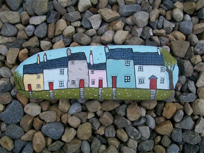 row of calico cottages : painted pebble with stand