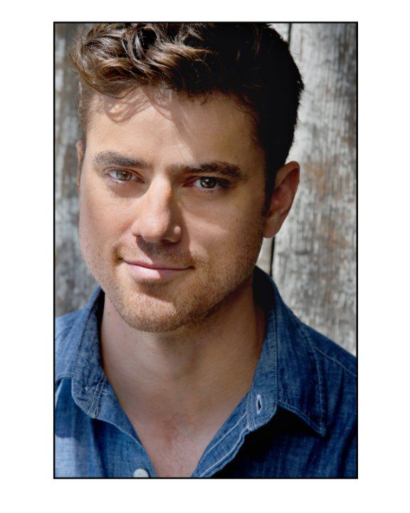 Donovan Patton, yeah, Joe from Blue's Clues grew up & got TOTALLY HOT!!!!