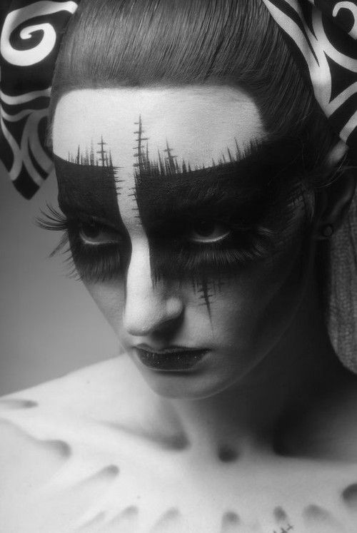 Face painting black and white