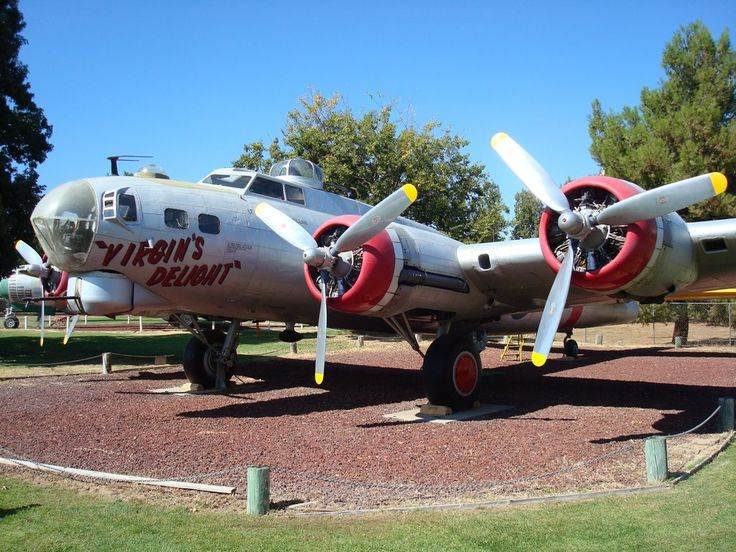 Boeing B-17G Flying Fortress, Castle Air Museum, Atwater, CA