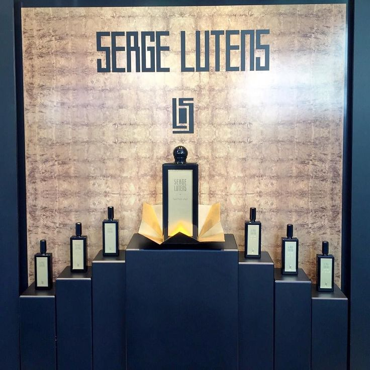 La nostra vetrina dedicata a Serge Lutens #mariabrunabeauty #vetrina #sergelutens #sergelutensperfume #profumi #fragranze