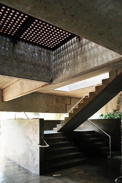 Paulo Mendes da Rocha: Casa Gerassi, São Paulo, Brazil