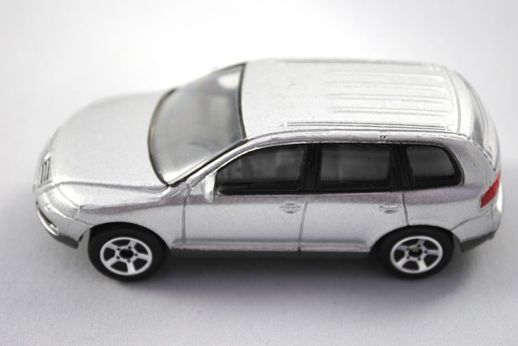 Detailed RealToy Special VW TOUAREG 5 Door in Metallic Silver Colour VGC #REALTOY