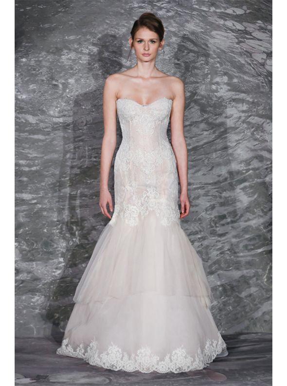 アクア・グラツィエがセレクトした、JENNY LEE(ジェニー リー)のウェディングドレス、JLE1509をご紹介いたします。
