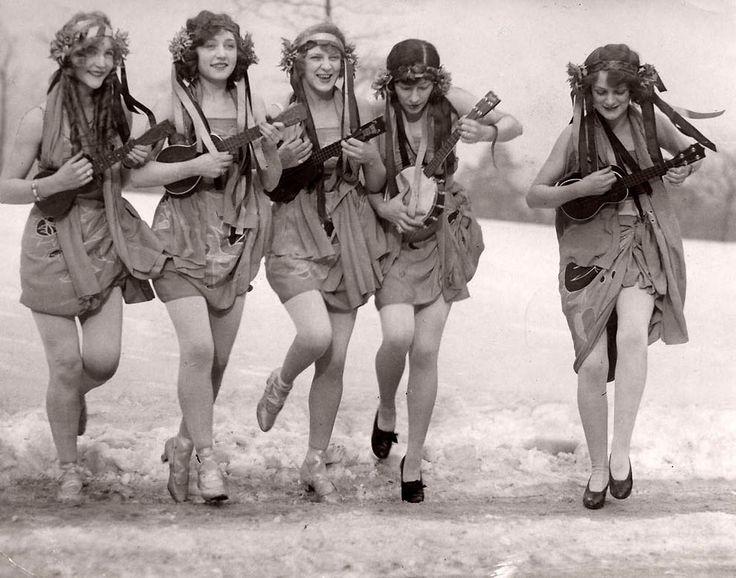 Танцы на снегу. США, 1926.