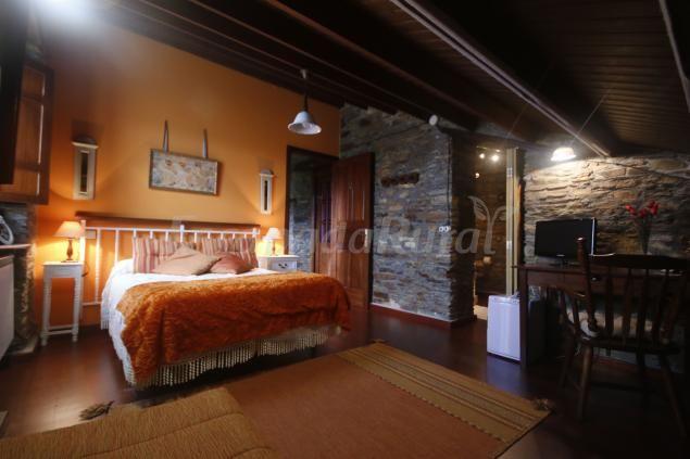 Fotos de Os Tres Teixos - Casa rural en Barreiros (Lugo) http://www.escapadarural.com/casa-rural/lugo/os-tres-teixos/fotos#p=5496b5d56c417