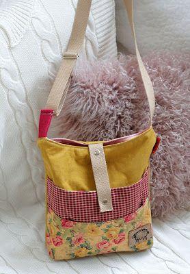 Optimistic ;) Тоня Андреева: Розочковые сумки