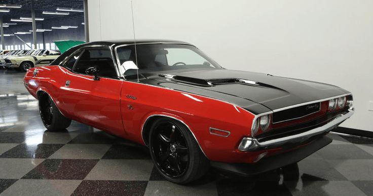 Awesome 1970 Dodge Challenger 6.1 HEMI Restomod
