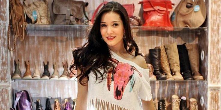 Ex chica Mekano se luce con su pituto en la Feria Internacional del Libro - Ahoranoticias.cl (Comunicado de prensa)
