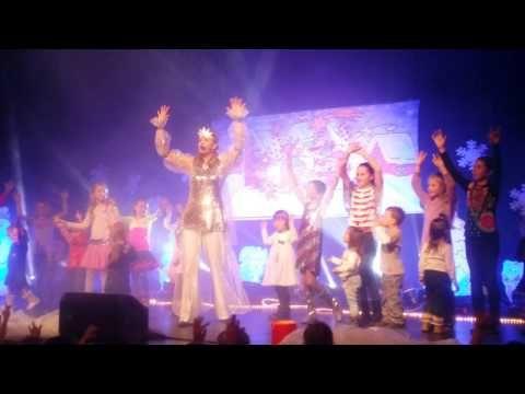 Vánoční - Tančíme s Míšou (záznam z Vánočního vystoupení 2015) - YouTube