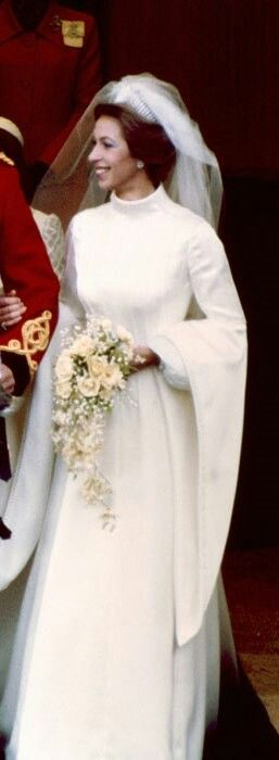 17 best images about princess anne and mark phillips on for Princess anne wedding dress