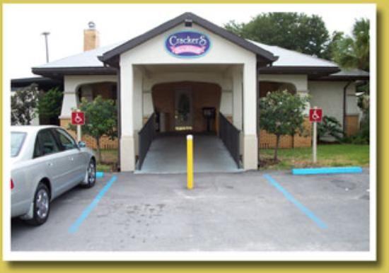 Crackers Bar & Grill, Crystal River - Restaurant Reviews - TripAdvisor
