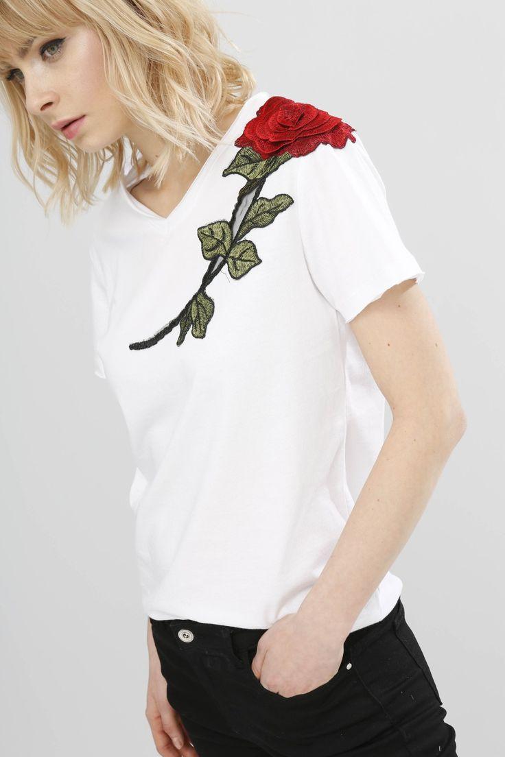Rose details tshirt