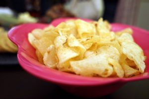"""The owner of a northwest Indiana potato chip company that has been in business since 1928 in Gary says he's closing. Peerless Potato Chips owner John Hogg tells The (Northwest Indiana) Times that the bankruptcy of its main distributor, Central Grocers, """"was the straw that broke the camel's back."""" Hogg says his potato chips have"""