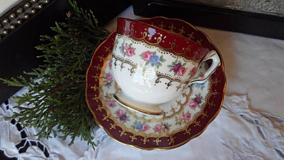 Aynsley Red and Gold Teacup and Saucer Pink Roses Red and
