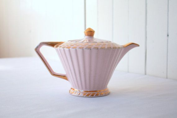 Sadler Pink Teapot Pink and Gold Deco @SummerHolidayVintage