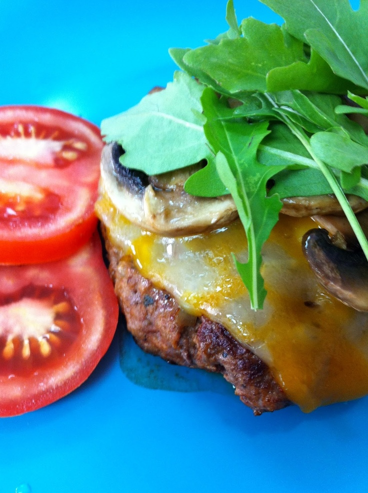 Skinny Girl Burger! Amazing!  For you girls who love burgers and your figure!