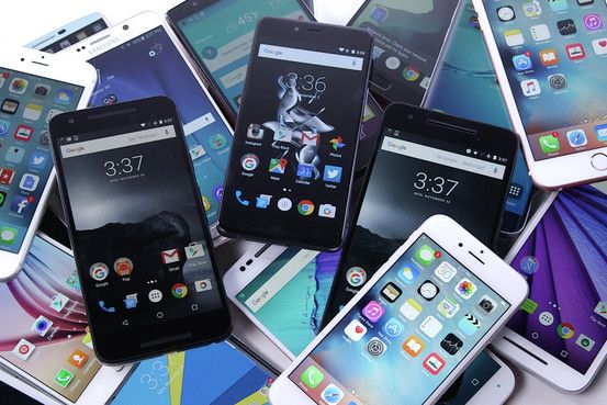 Best smartphones to buy right now: With so many good iPhone and Android phones, Joanna Stern reviews the smartest options of each