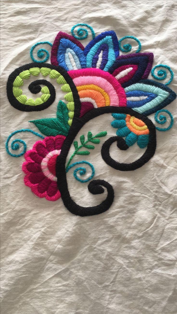 Flor fantasía bordada para almohadón – #almohadón #bordada #fantasía #Flor #…