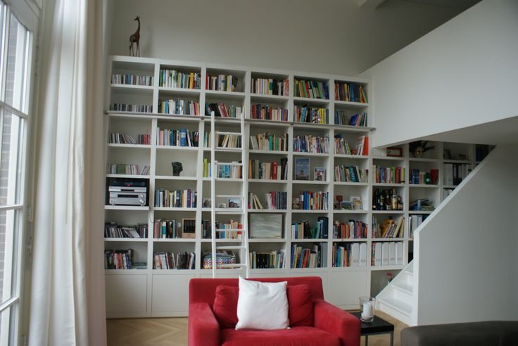 Boekenkast modern in strak appartement door My house Amsterdam