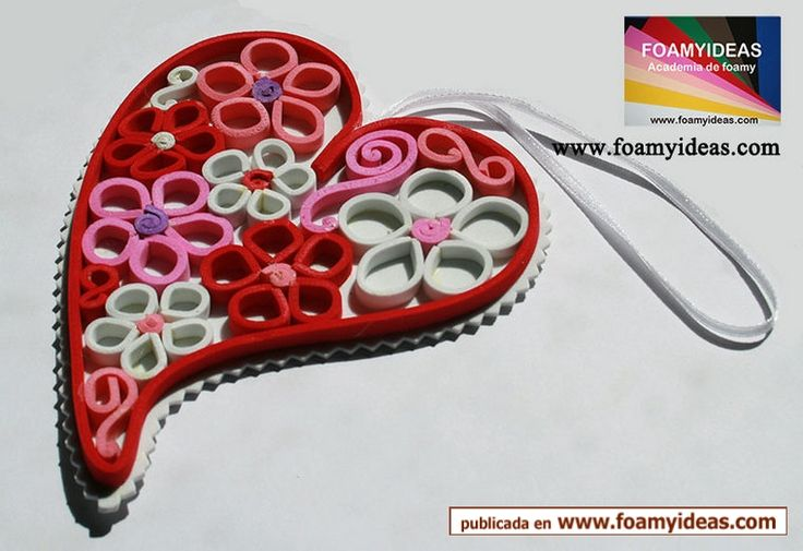 It would be nice to give such a sweet hart from flowers for your friends, isn´t it?. Para regalar una Hermoso corazón de flores para tus seres queridos. Hecho a mano. http://www.foamyideas.com/moldes/amor-y-amistad foamyideas@gmail.com