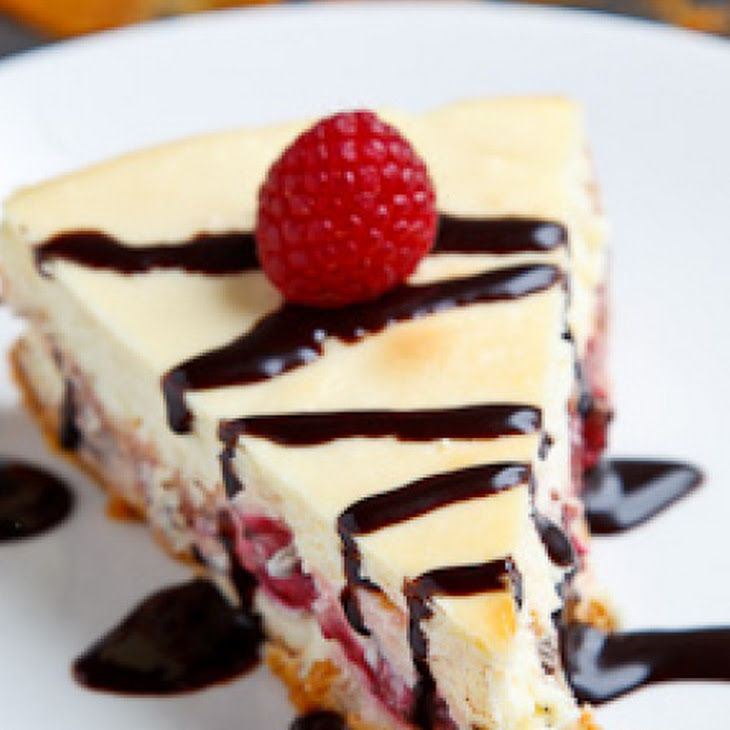 Raspberry and Dark Chocolate Cheesecake | Sweet Decor | Pinterest